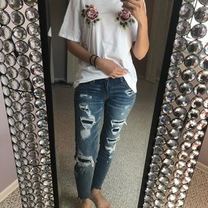 American Eagle destroyed ripped jeans! Medium wash